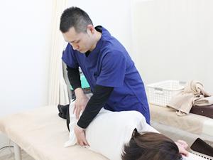 腰痛の治療風景
